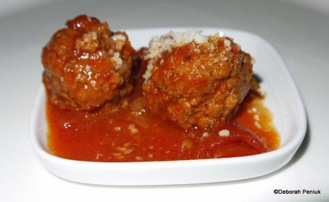 Nonnas Meatballs