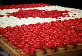 cdn flag cupcake